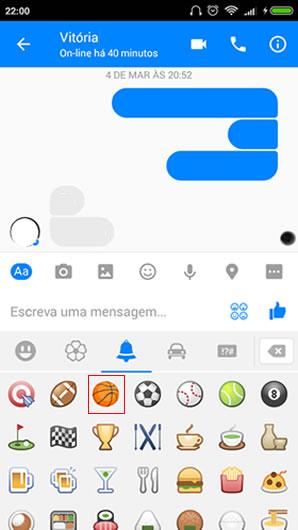 Conversa com amigo no facebook messenger
